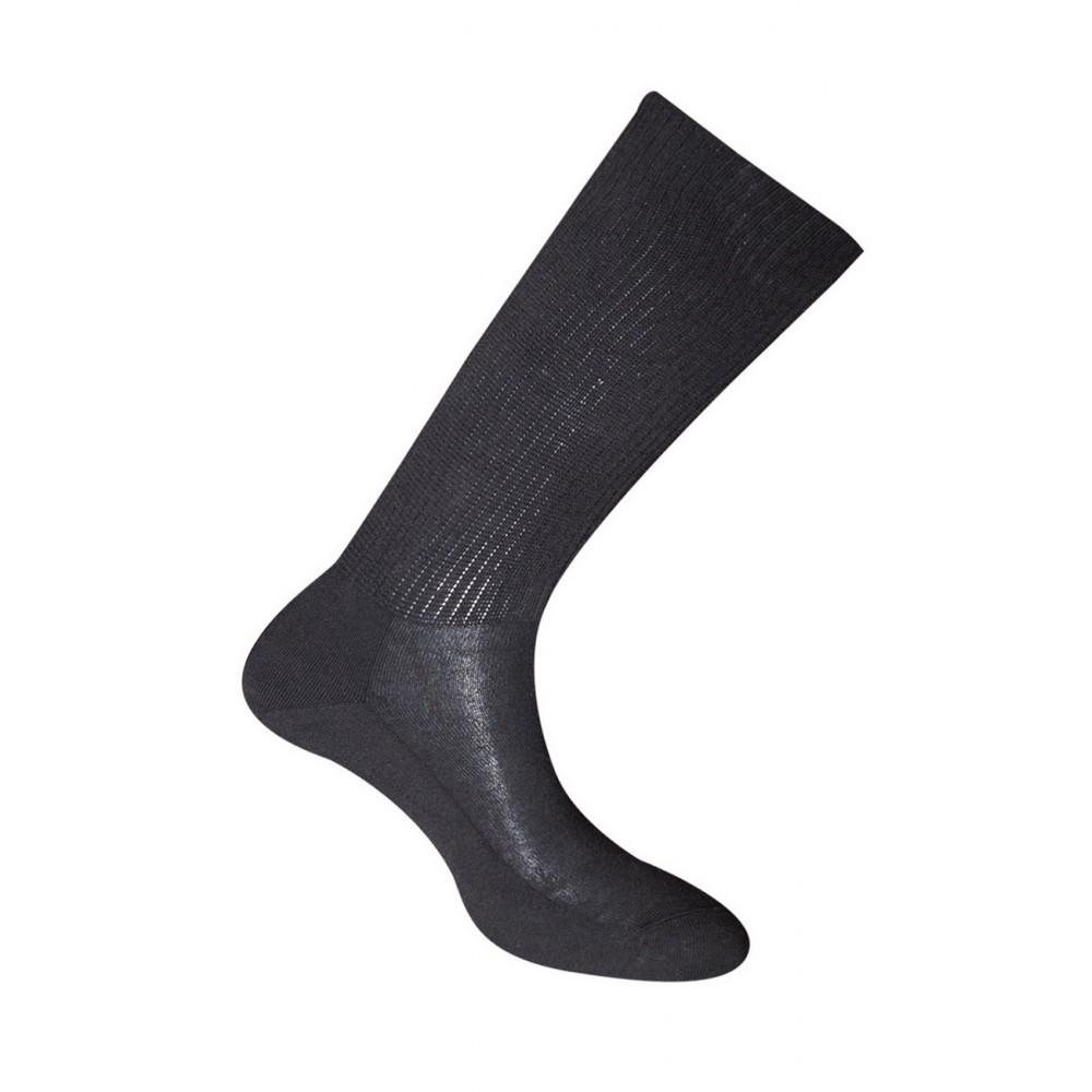 Chaussettes extensibles conçues pour les pieds forts